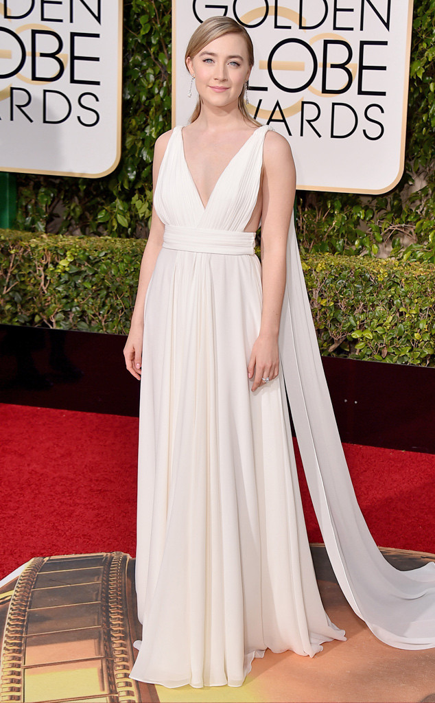 rs_634x1024-160110162456-634-saoirse-ronan-Golden-Globe-Awards
